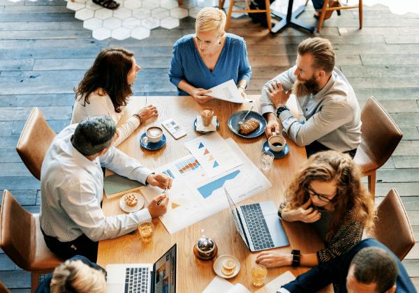 פגישת עסקים ותכנון העסק